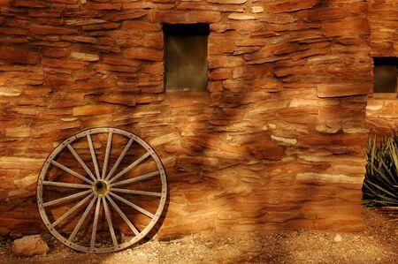 hopi: Wagon Wheel pendente contro Hopi Costruire al Grand Canyon National Park Archivio Fotografico