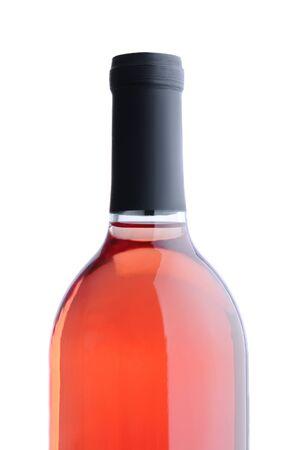 白い背景の上にラベルのない赤面ワイン ボトルのクローズ アップ