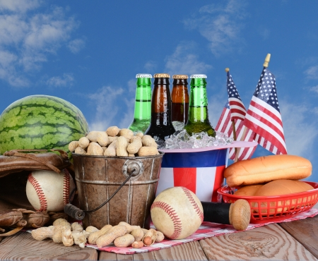 Picnic table ready for a Fourth of July celebration Stock Photo - 20436631