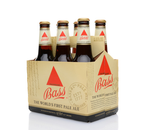 6 pack beer: IRVINE, CA - MAY 25, 2014: A 6 pack of Bass Ale, 34 view. The Bass Brewery was founded in 1777 by William Bass, in Trent, England is now owned by Anheuser-Busch InBev.