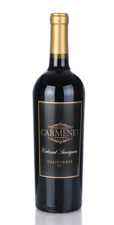 cabernet sauvignon: IRVINE, CA - January 05, 2014: A bottle of Carmenet Reserve Cabernet Sauvignon 2011. Carmenet Vineyards is an award winning winery in Sonoma, Cslifornia. Editorial