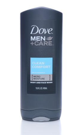 IRVINE, Californië - 14 mei 2014:. Een 13.5oz fles Dove Men + Care Body and Face Wash Dove is een persoonlijke zorg merk van Unilever. Redactioneel