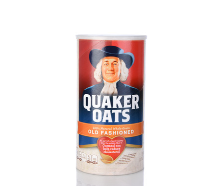 owned: IRVINE, CA - January 05, 2014: A box of Quaker Oats Old Fashioned. Founded in 1901 the Quaker Oats Company has been owned by Pepsico since 2001.