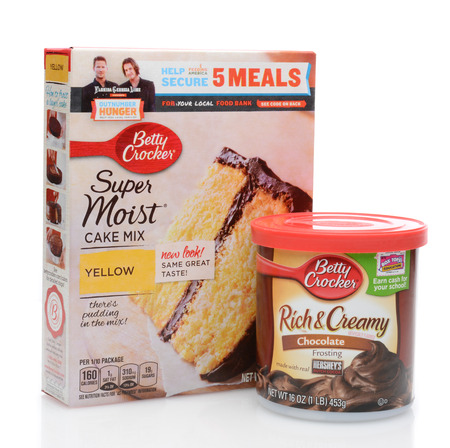 hershey's: IRVINE, CA - JUNE 23, 2014: Betty Crocker Cake Mix and Frosting. Betty Crocker is a brand owned by General Mills producing a wide variety of food products.