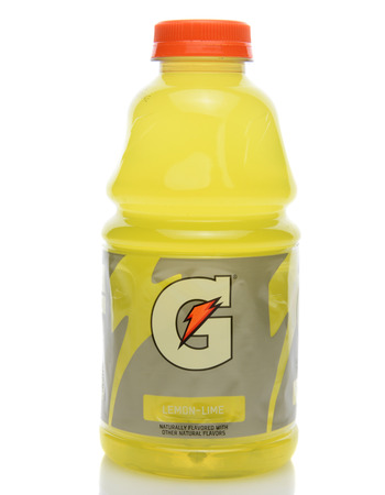 IRVINE, CA - SEPTEMBER 22, 2014: A bottle of Gatorade Lemon Lime Thirst Quencher. The beverage was first developed in 1965 by a team of researchers at the University of Florida. Редакционное
