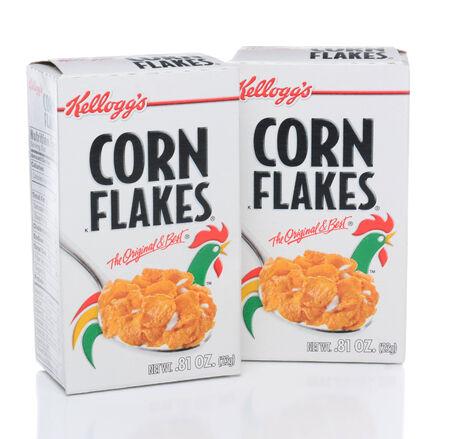 choclo: IRVINE, CA - 19 de febrero 2015: Corn Flakes de Kellogg. Desarrollado en el Sanatorio de Battle Creek en Michigan por el Dr. John Kellogg en 1894.
