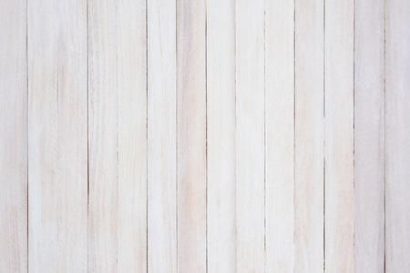 素朴な白塗りのウッドの背景のクローズ アップ。このボードはストレート アップとダウ。