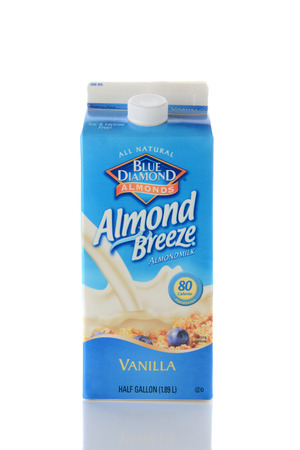 cholesterol free: IRVINE, CA - JUNE 2, 2015: Closeup of a carton of Blue Diamond Almond Breeze Almond Milk. Almond Breeze is free of dairy, soy, lactose, cholesterol, gluten, saturated fat and MSG. Editorial