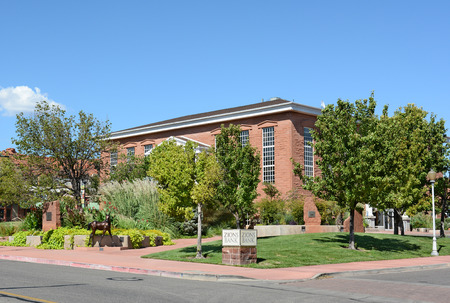 lds: ST. GEORGE, UTAH - AUGUST 15, 2015: Zions Bank building. Zions Savings Bank and Trust Company was started by Brigham Young, of The Church of Jesus Christ of Latter-day Saints (LDS), in 1873. Editorial