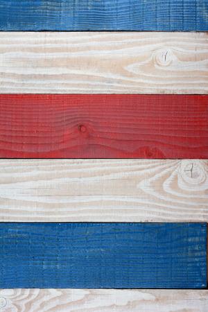 Sfondo patriottico per 4 LUGLIO o Memorial Day o progetti a tema americano vacanze. Rosso bianco e blu sfondo di assi. Archivio Fotografico - 45139443