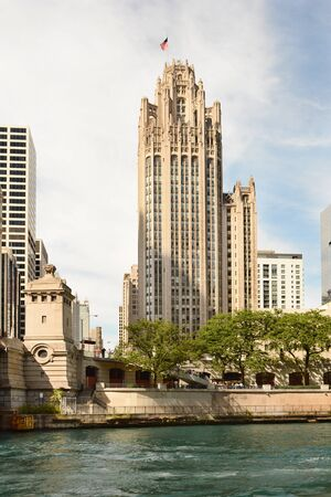 illinois river: CHICAGO, ILLINOIS - AUGUST 22, 2015: Tribune Tower. Completed in 1925 in the Gothic style, the Tribune Tower is one of the most recognizable buildings in Chicago. Editorial