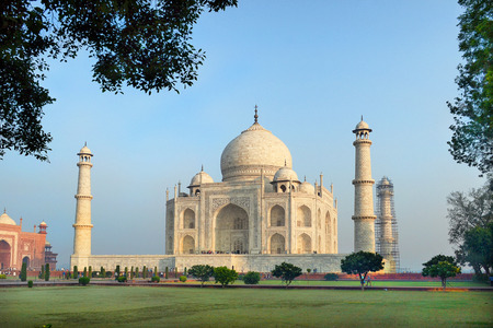 mughal architecture: Taj Mahal, in Agra, India.