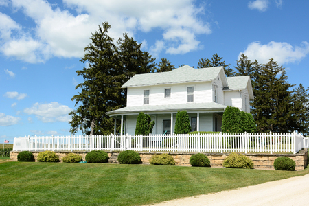 starring: DYERSVILLE, IOWA - AUGUST 20, 2015: Field of Dreams house and movie set. The 1989 film starring Kevin Costner was filmed on the Lansing Family Farm.