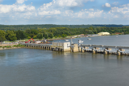 illinois river: UTICA, ILLINOIS - SEPTEMBER 6, 2016: Starved Rock Lock and Dam. Also know as Lock and Dam No. 6, on the Illinois River, is managed by the Army Corps of Engineers.