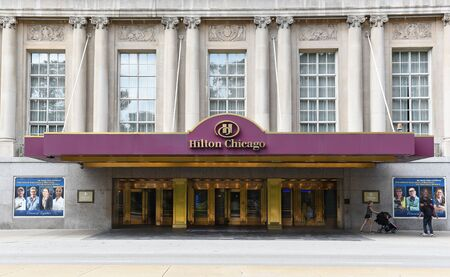 michigan avenue: CHICAGO - SEPTEMBER 5, 2016: Hilton Chicago. Entrance to the hotel that opened in 1927. Located on Michigan Avenue and overlooking Grant Park and Lake Michigan.