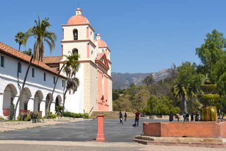 destination scenics: SANTA BARBARA, CALIFORNIA - SEPTEMBER 21, 2016: Fountain at the Santa Barbara Mission. Founded in 1786, the present day church was destroyed by an earthquake in 1925 and later restored.