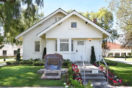 linda: YORBA LINDA, CALIFORNIA - FEBRUARY 24, 2017: Richard Nixon Birthplace. The home is on the grounds of the Presidential Library and is the final resting place of the 37th president.