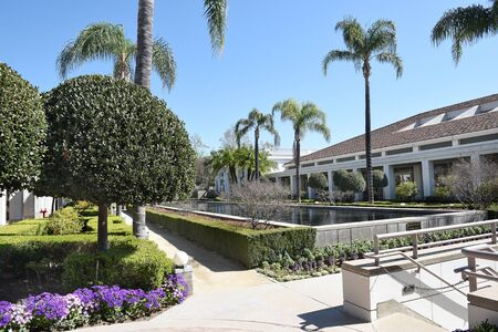 linda: YORBA LINDA, CALIFORNIA - FEBRUARY 24, 2017: Gardens and Reflecting Pool at the Nixon Library and Birthplace. The presidential library and museum is final resting place of the 37th president. Editorial