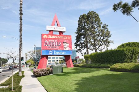 orange county: ANAHEIM, CA - MARCH 17, 2017: Angel Stadium State College Entrance. Located in Orange County the stadium is the home of MLBs Los Angeles Angels of Anaheim. Editorial