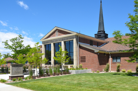 lds: CODY, WYOMING - JUNE 24, 2017: Historic Cody Mural and Museum. the site offers a powerful glimpse into the western expansion of Mormon pioneers in the late 1800s Editorial