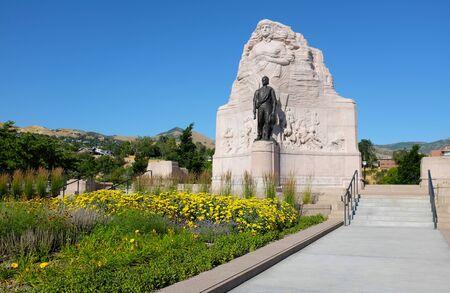 batallón: SALT LAKE CITY, UTAH - 28 de junio 2017: Monumento al Batallón Mormón. El monumento conmemora a los 500 voluntarios mormones que se unieron al ejército estadounidense durante la guerra de México. Editorial