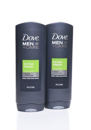 IRVINE, CA - 22 SEPTEMBER 2017: Dove Men + Care Extra Fresh Body and Face Wash. Dove is een merk voor persoonlijke verzorging in handen van Unilever.