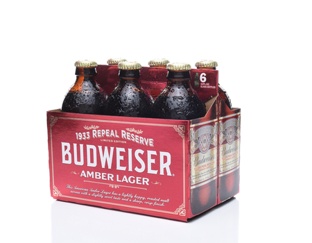 6 pack beer: IRVINE, CA - NOVEMBER 7, 2017: Budweiser 1933 Repeal Reserve Amber Lager. Budweiser is releasing this historically inspired recipe to celebrate the Repeal of Prohibition.