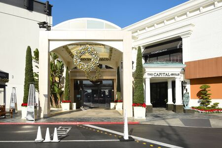 COSTA MESA, CA - DEC 1, 2017: Capital Grille South Coast Plaza. The upscale steakhouse chain offers classic American fare and a clubby, refined setting. 에디토리얼