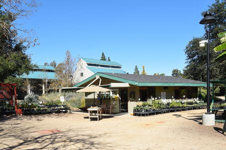 FULLERTON, CALIFORNIA - FEBRUARY 7, 2017: Fullerton Arboretum Potting Shed. The area features a Garden Shop that offers a wide variety of garden products and garden related items. 報道画像