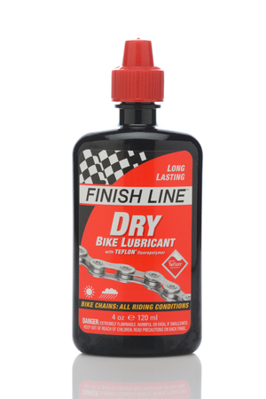 IRVINE, CALIFORNIA - MAY 22, 2019:  A bottle of Finish Line Dry Bicycle Lubricant with Teflon.. Redactioneel