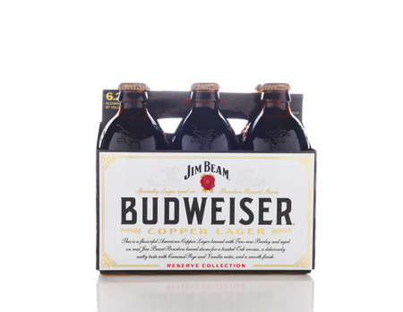 IRVINE, CALIFORNIA - OCTOBER 17, 2018: Budweiser Copper Lager Reserve Collection. The limited edition beer is aged on Jim Beam Bourbon Barrel Staves. Redactioneel