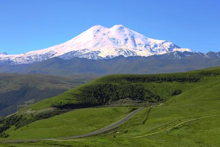 Elbrus mountain is highest peak of Europe Standard-Bild