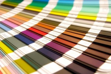 ouverte échantillon catalogue des couleurs Pantone