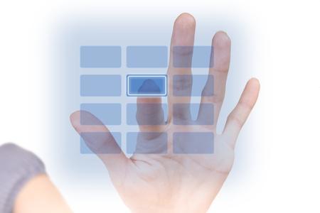 tecla enter: Mujer empujando un botón en blanco sobre la seguridad del teclado virtual