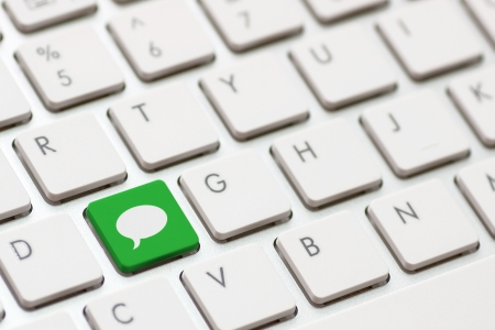 comment enter key and speech bubble icon. Stock Photo - 20416969