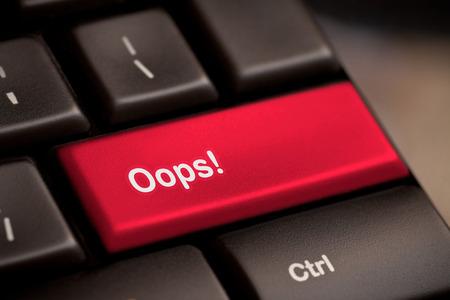 Oops Wort auf wichtige Ergebnis Fehlschlagen Fehler Fehler oder sorry Konzept Standard-Bild - 25974601