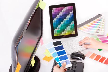 occupations and work: Graphic designer in campioni di campioni di lavoro di colore
