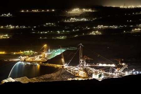 石炭鉱業、露天掘りの - 夜の写真