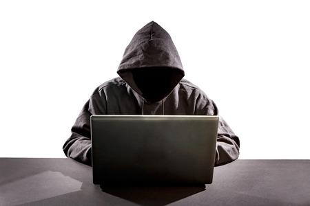 Hacker usando la computadora portátil. Hackear Internet. Foto de archivo - 50912711