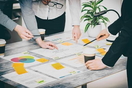 Brainstorming Planification Brainstorm Hommes d'affaires Conception