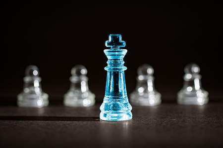 teamleader: Chess business success, leadership concept.