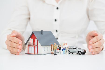보험 홈 하우스 자동차 보호 개념을 보호