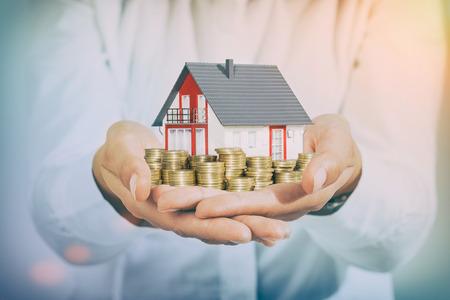 お金の家住宅ローン富投資住宅ローン - ストック イメージの住宅 写真素材