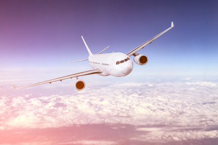 vliegtuig vervoer vliegtuig vervoer reiziger vlucht vliegen vliegtuig luchthaven reis straal bedrijf heaven concept - stock