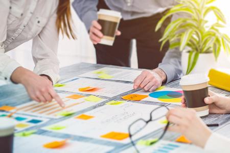 Brainstormen Brainstorm Zakenmensen Ontwerp Planning