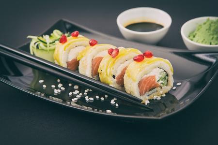 susi: sushi roll raw makki fresh food seafood susi - stock image