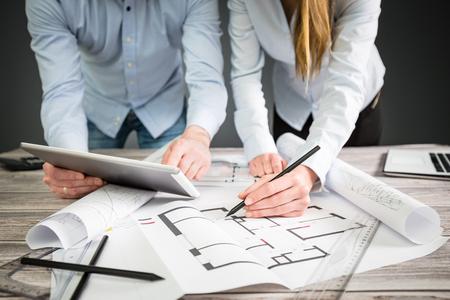 インテリア デザイナー計画図面建築事業計画建築スケッチ概念家図創造的なコンセプト - ストック イメージ