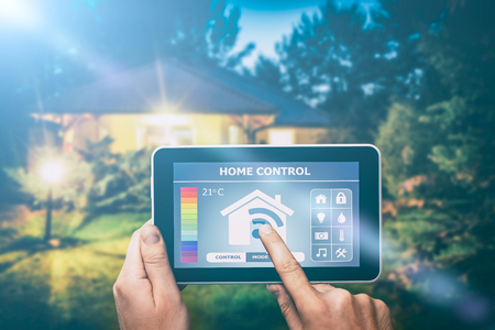Afstandsbediening voor thuisbediening op een digitale tablet of telefoon.