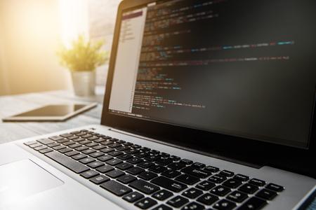 le script de programmation du programme de codage code développement web développeur tech html écran internet profession concept d'identité d'occupation de communication dictionnaire - image