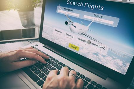 professionnel concept de l'équipement maintenant la commercialisation réservation Voyage de billet d'avion de recherche de voyageur réservation vacances livre d'air plan de recherche de la technologie de l'espace de travail de service de démarrage - image